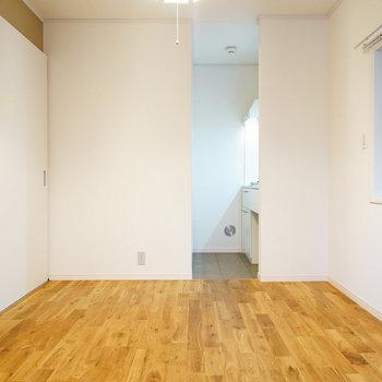 白の気持ちのいい空間