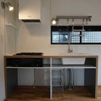 キッチンはシンプル、ミニマムに