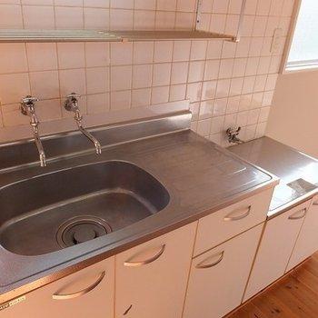 キッチンは既存のものです。 ※前回募集時の写真です