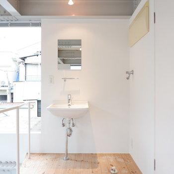 洗面台もシンプルでかわいい。