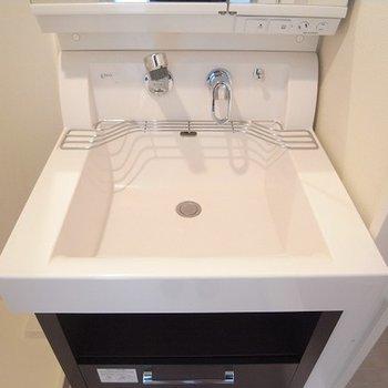 お洒落な洗面台ですね