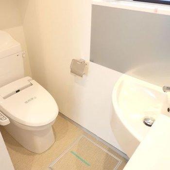 洗面所とトイレの関係性。