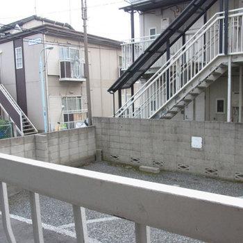 窓からの景色です。人通りは少なそうですね!※写真は前回募集時のものです