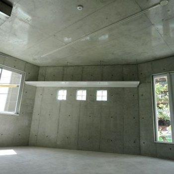 コンクリートに惚れ惚れ・・※画像は別室です