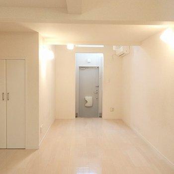 2F バスルーム側から※画像は別室です