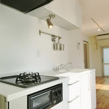 キッチンはYAMAHAの2口ガスコンロ!※イメージ