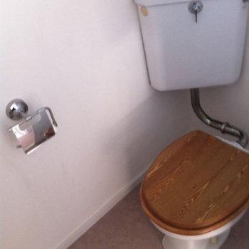 トイレは木目カバーでナチュラルな印象に!※前回募集時の写真です