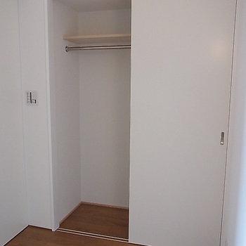 個室の収納も十分あります(写真は6階です)