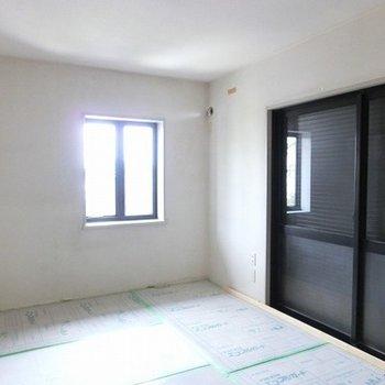 2階のお部屋は2面採光ですよ~ ※工事中