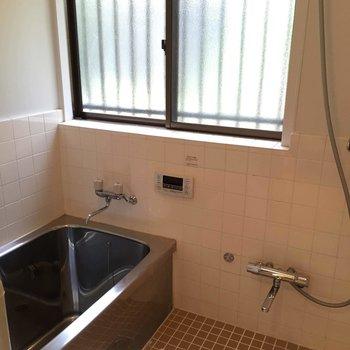 お風呂はレトロな雰囲気◎※前回募集時の写真です