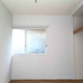 反対側にも窓があります※前回募集時の写真です