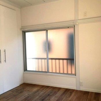 あちらこちらに窓がありますね※前回募集時の写真です