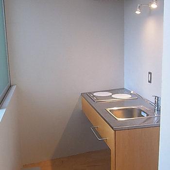 キッチン、小さいけどデザインもの(画像は別室です)