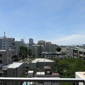 快晴なら富士山、春には桜並木が真下に広がります! ※写真は前回募集時のものです