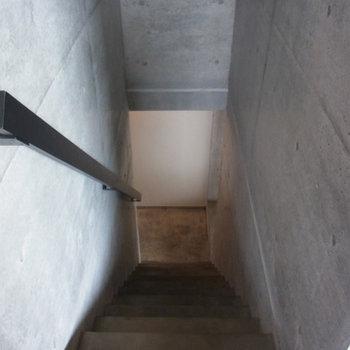 階段で3Fへ