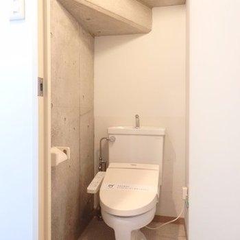 天井、階段!?これまたお洒落。