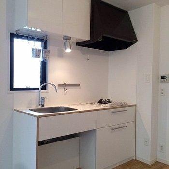 2口ガスコンロのTOMOSオリジナルキッチン※画像はイメージ
