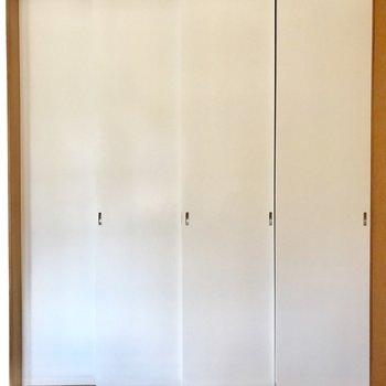 使わないときは扉で仕切ることができます
