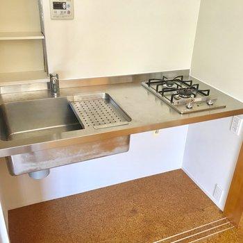 シンプルなキッチンです