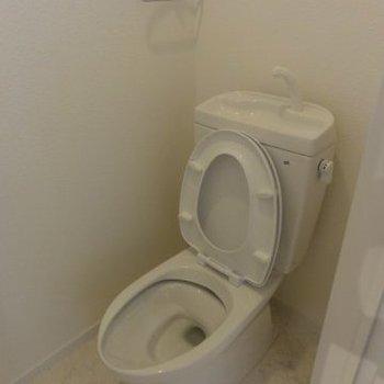 トイレも窓付き※写真は前回募集時のものです