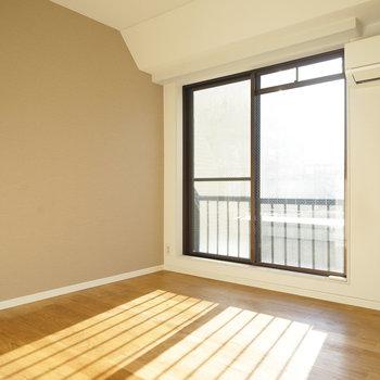 こちら2階の5帖の寝室!