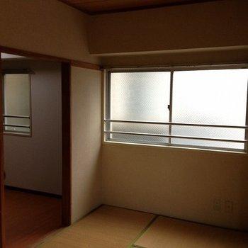 こちらはビフォア。東向きの角部屋です。