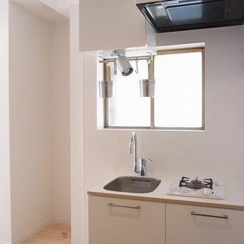 TOMOSオリジナルの1口キッチン※画像は別部屋