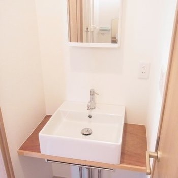 洗面台は独立しています※写真は前回募集時のものです