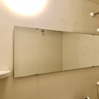 横長の鏡がいいですね。