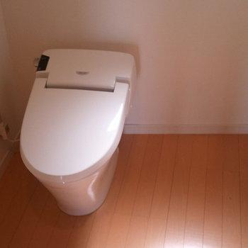 トイレは広めです