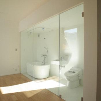 バストイレ明るくて綺麗!!※写真は別部屋