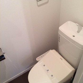 トイレはウォッシュレットです ※写真はイメージです