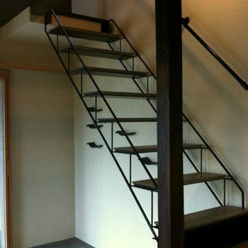 スペースを邪魔しない階段