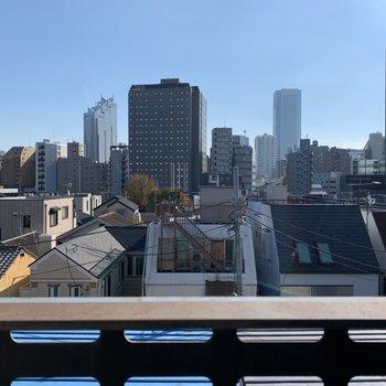 都会って感じの眺望ですね。