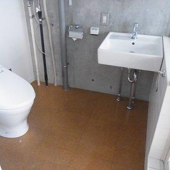 トイレと同スペースに。