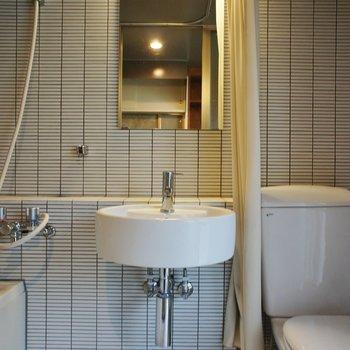 洗面台はシンプルなデザインがグッド