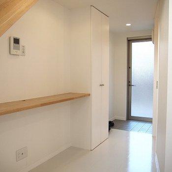 1階は広くはありませんが、カウンターが便利そう