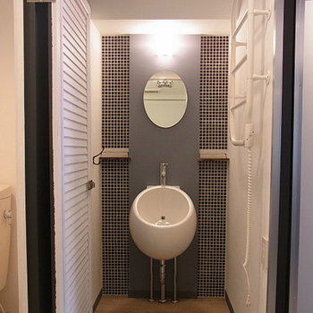 洗面台はコンパクトながらもこだわりのデザイン。※写真は前回募集時のものです