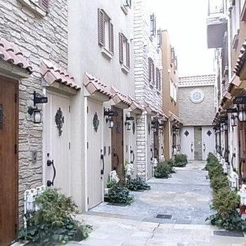 住宅街に隠れた南欧空間 part1