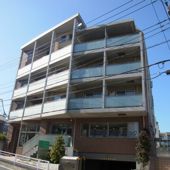 1階は歯医者と事務所
