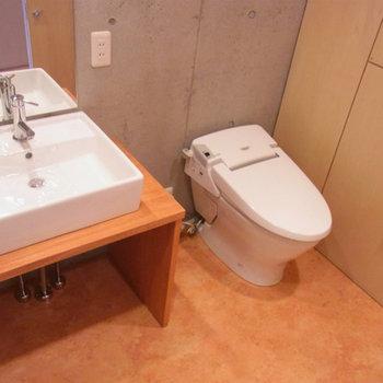 トイレ・洗面台が同室で脱衣場となってます