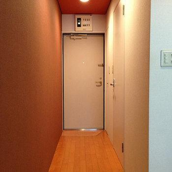 玄関の廊下
