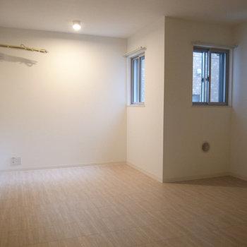 2F:キッチンスペース(写真は別部屋です)