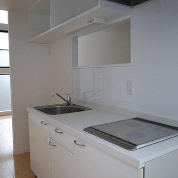 キッチンの楚々とした空気が素敵。