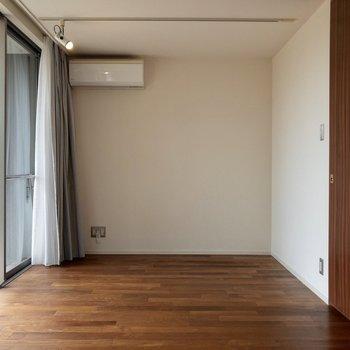 【1f】セミダブルベッドが置ける広さ。寝室として使えそうです。