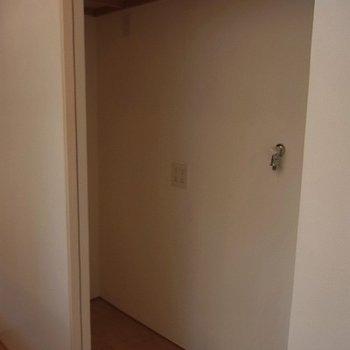キッチン後ろのスペース※前回募集時の写真です