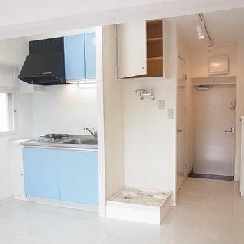 キッチン横は洗濯機置き場