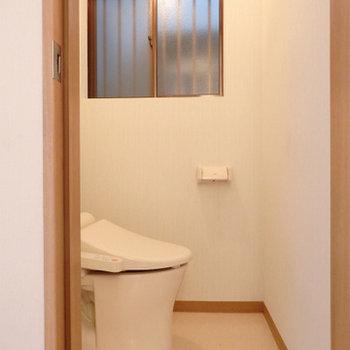 トイレは1階・2階の両方にあります