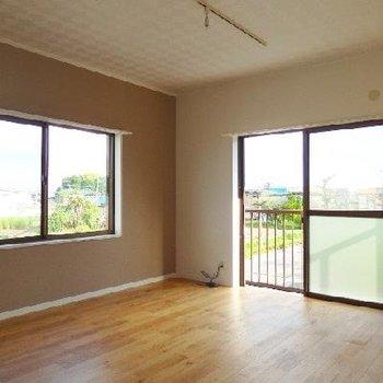 すべてのお部屋が2面採光!これぞ戸建の良さ。こちらは8帖の洋室。※写真は前回募集時のもの
