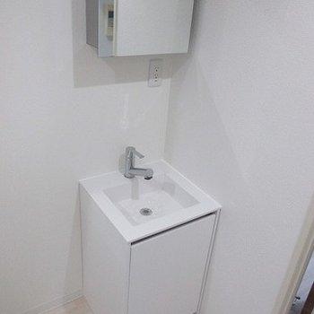 とてもシンプルな洗面台。